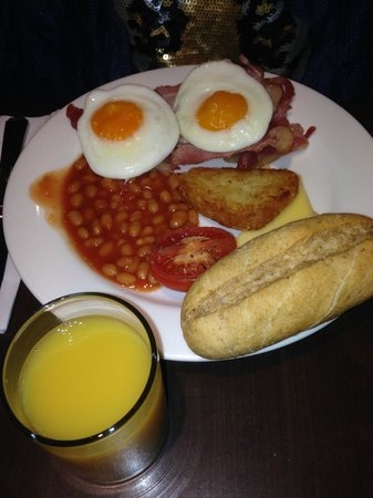 Holiday Inn London - Kensington: Breakfast