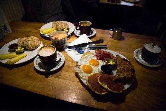 Tiu Dropar: Sehr leckeres Frühstück ...