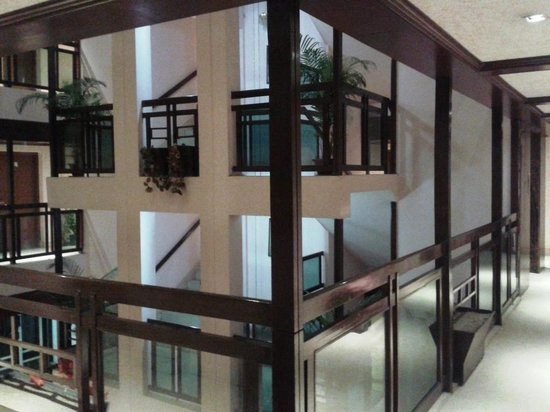 Hotel Nandan: inside view