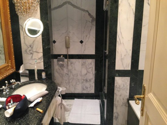 Hotel Imperial Vienna: Toilet