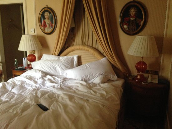 Hotel Imperial Vienna : Bed