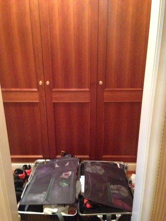 Hotel Imperial Vienna: Closet