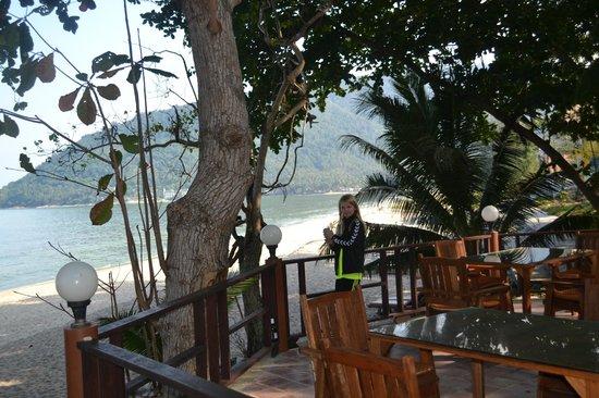 Khanom Hill Resort : Nederste dæk restauranten