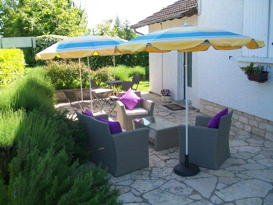 Hotel au Charme du Levat : La terrasse