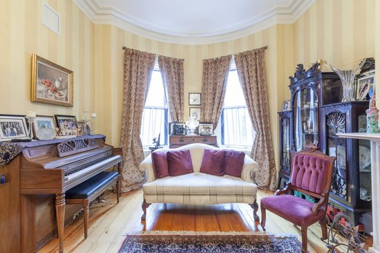 Aisling: Sitting Room