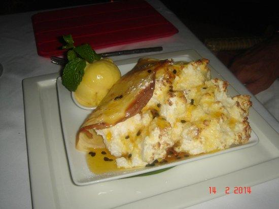 Mom Tri's Villa Royale: The delicious passion fruit crepe souffle with mango ice cream