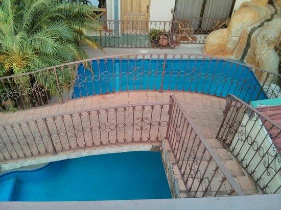 Hotel Arenal Bromelias: Piscine vu de la petite terrasse