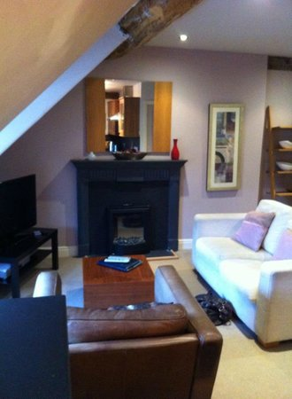 Bagshaw Hall: living room