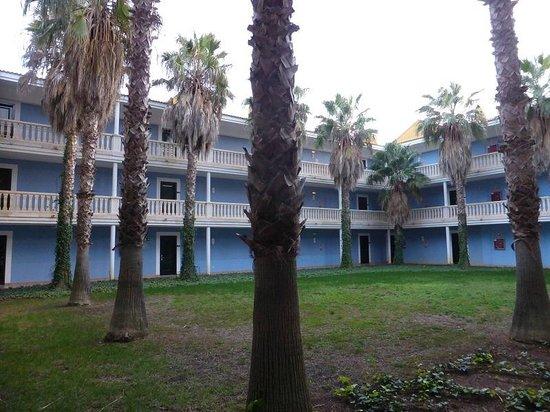 Vacances Menorca Resort: Patio interior