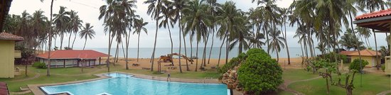 Sanmali Beach Hotel : panorama with a digger