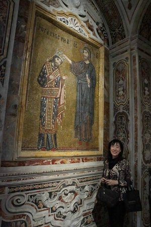 Sicily Life Tours: MY MOM IN FRONT OF THE PICTURE OF ROGER 2ND AND JESUS AT AT MARTORANA CHURCH IN PALERMO