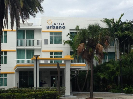 Hotel Urbano: The outside of the Hotel