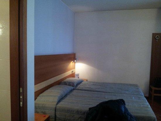 Hotel Fiera: stanza doppia con letti singoli