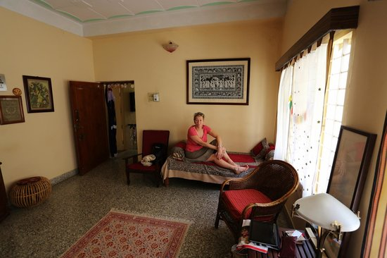 Mysore Bed and Breakfast: One of two living rooms