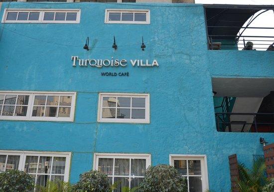 Turquoise Villa: The facade