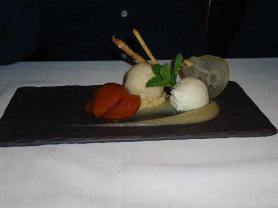 Araxi Restaurant & Oyster Bar: Dessert - Okanagan Pear Mousse (Deliciously refreshing)
