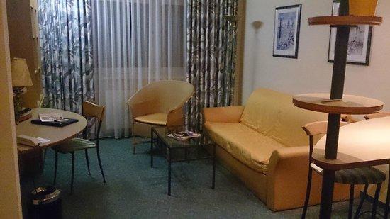 Suite Hotel Leipzig: Seating Area