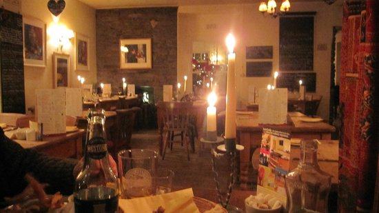 Lucy's on a plate : Candlelight atmoshere
