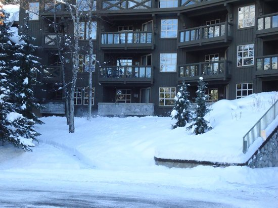 Coast Blackcomb Suites at Whistler : View of Rooms from Front of Hotel