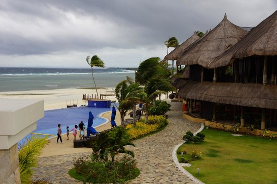 The Bellevue Resort Bohol: harmonische Architektur der Poolanlage