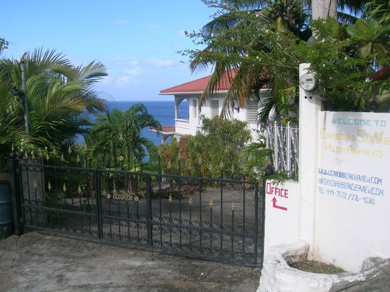 Caribbean Sea View Holiday Apartments: Main Entrance