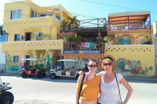 outside of Hotel Las palmas.