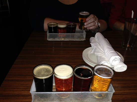 Boston Brew Tours : Flight of beers at 2nd stop