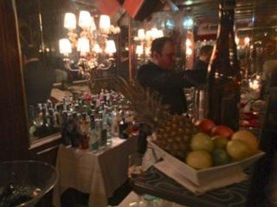 Taverna La Fenice: ingresso bar cocktail