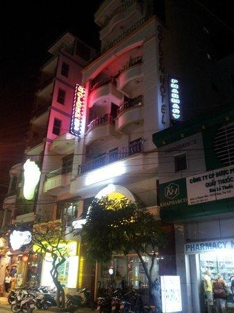 Golden Hotel: 外観