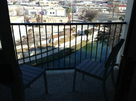 Balcony on the balcony king room picture of wyndham - Wyndham garden san antonio riverwalk ...