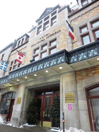 Hotel Manoir Victoria: Front