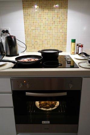 iStay Precinct: Very useful oven