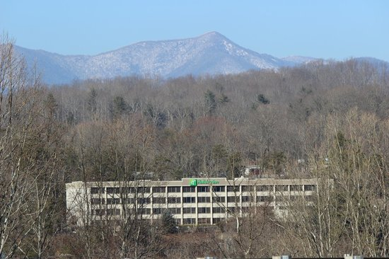 Holiday Inn Asheville - Biltmore East: Only 10 Minutes to Downtown but Nestled in Mountains