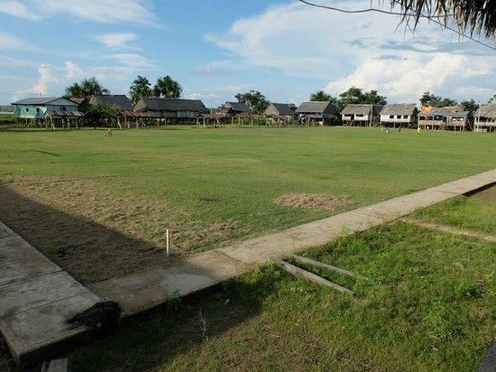 Libertad Jungle Lodge : La place du village
