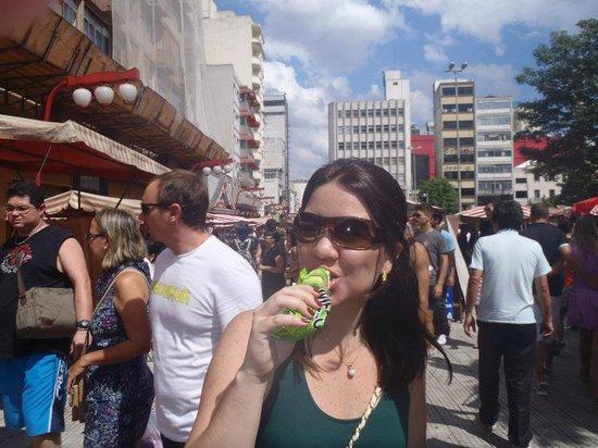 Liberdade street market: MELONA - picolé de melão