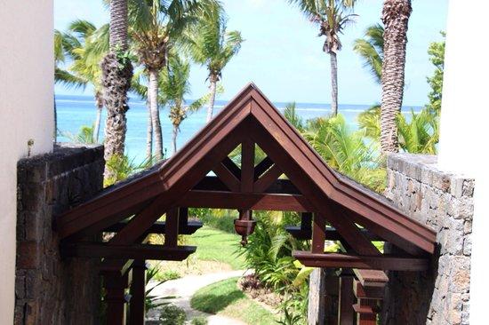The Residence Mauritius: En allant vers la plage !