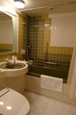 Hotel Kanro no Mori : Shower and bathtub