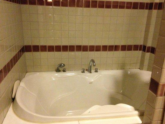 Rimping Village: Bathtub