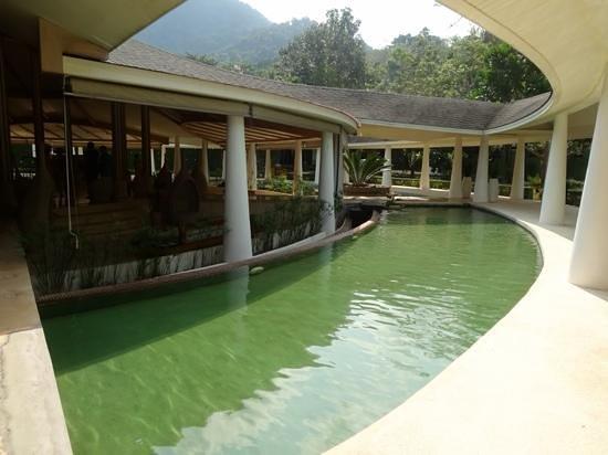 Mercure Koh Chang Hideaway Hotel: lobby area