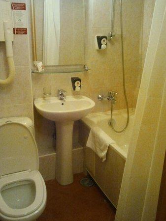 Azimut Hotel Siberia: ванная комната