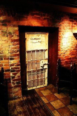 Hotel Katajanokka: Original cell door, found in the restaurant