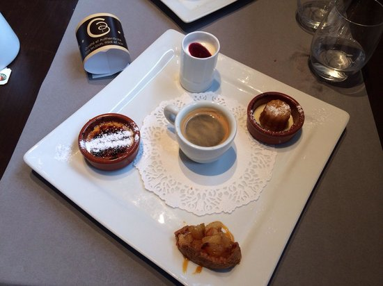 Collonges-sous-Saleve, Frankrike: Café gourmand
