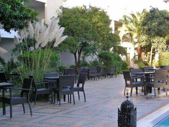 Hotel Volubilis : Pool deck