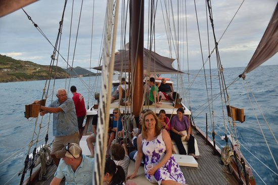 Lord Sheffield Tall Ship Adventures : Sailing out to sunset