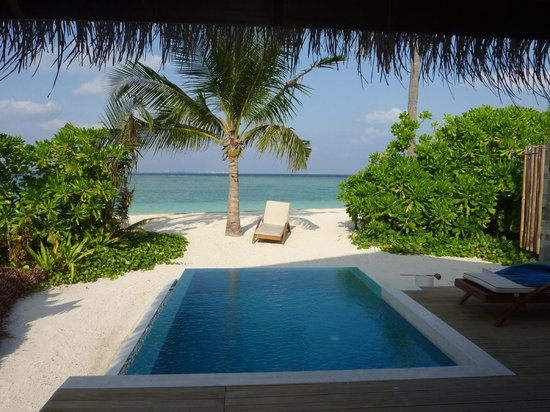Velassaru Maldives : View out of the room