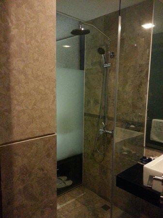 Serela Merdeka : Big shower, feel so fresh