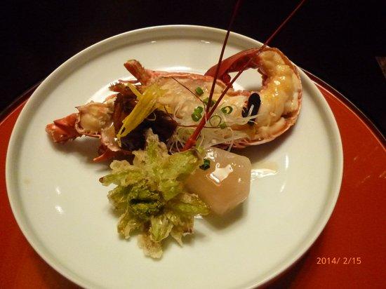 DHC Akazawa Geihinkan: 夕食の伊勢エビの煮物