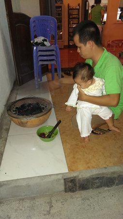 Pho Viet 24: Lam and his baby fixing BBQ