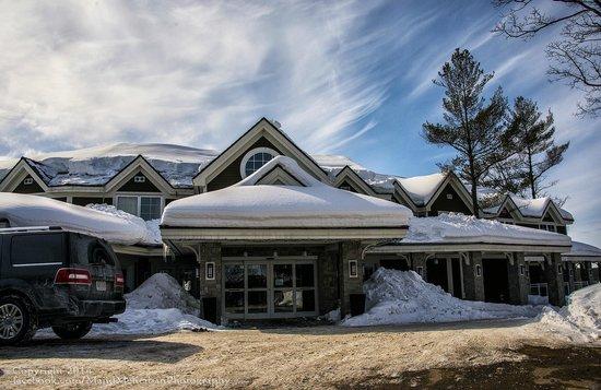 Touchstone Resort on Lake Muskoka : Touchstone Lodge in Lake Muskoka