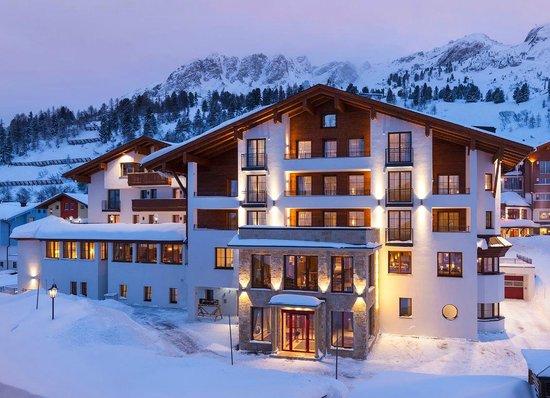 Hotel Panorama: Hotel an der Piste in Obertauern